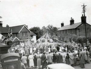 1953008